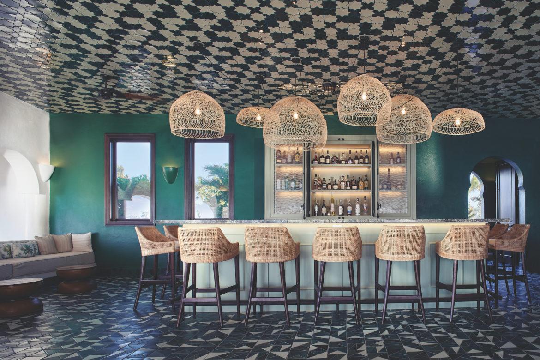 Genießen Sie einen Bellini an der Gabbiano Bar.