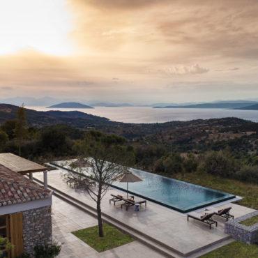 Das majestätische Amanzoe liegt an der Ostküste des Peloponnes