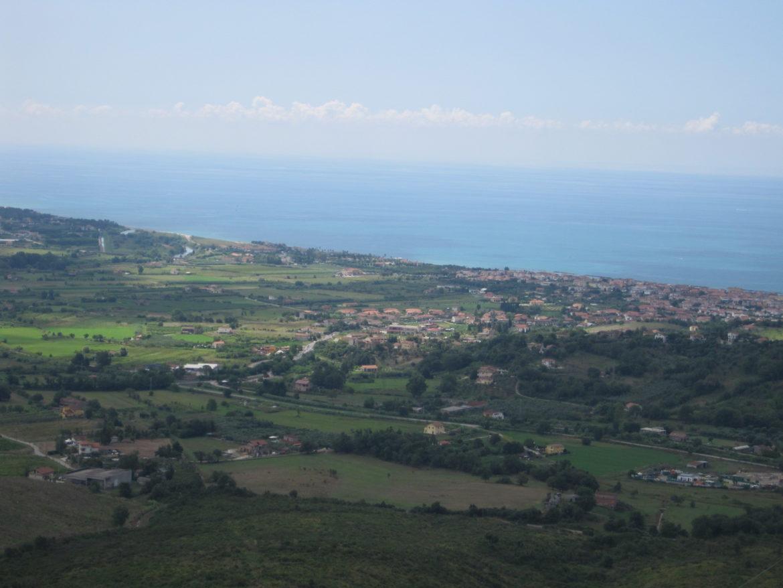 Von den Hügeln in der Nähe von Terradura hat man einen atemberaubenden Blick auf das Meer. Ein Ort zum Seele baumeln lassen und genießen.